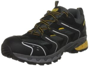 detailed look b9a05 ed6ba At just 1.33 kg, the DeWalt Cutter safety shoes are about as lightweight  and comfortable as it gets.